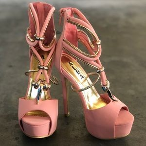 CORAL Strappy platforms